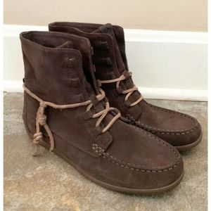 Sperry Top Sider Women size 8M Coil Hook Suede Ankle Boots Dark Brown